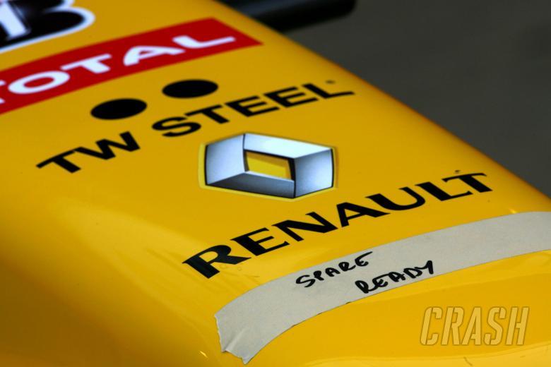 25.02.2010 Barcelona, Spain, Renault F1 Team atmosphere - Formula 1 Testing, Barcelona -