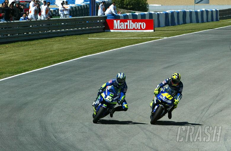 Gibernau and Rossi, last corner collision, Spanish MotoGP, 2005