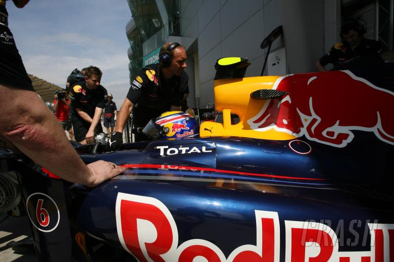 Friday Practice 1, Mark Webber (AUS), Red Bull Racing, RB6