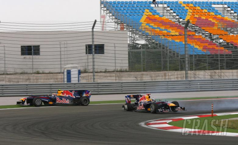 Race, Sebastian Vettel (GER), Red Bull Racing, RB6 and Mark Webber (AUS), Red Bull Racing, RB6