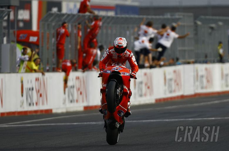 Stoner wheelies to chequered flag, Japanese MotoGP 2010