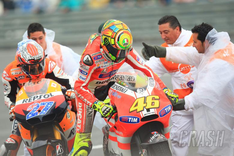 Stoner and Rossi after crash, Spanish MotoGP 2011