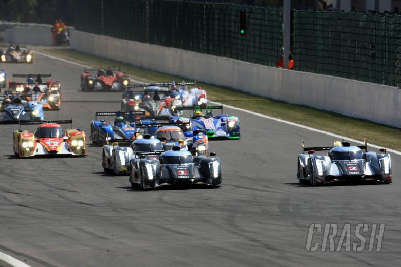 Start, Fassler/Treluyer/Lotterer Audi R18 TDI leads