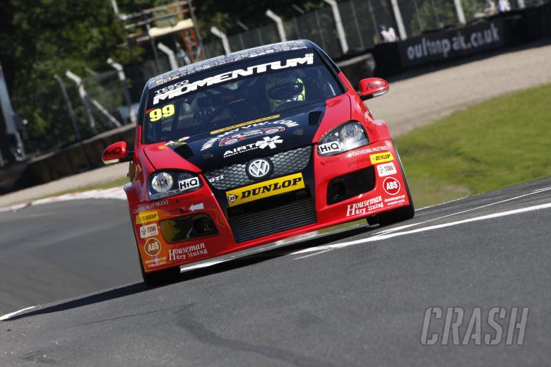 Tom Onslow Cole (GBR) AmD Milltek Racing Volkswagen Golf