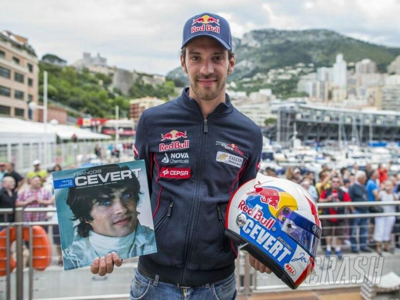 Vergne's tribute tops Monaco helmet-fest