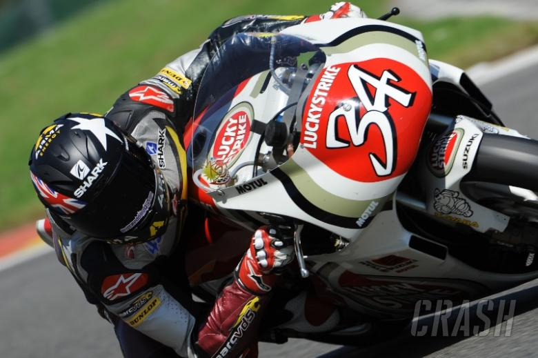 Redding rides ex-Kevin Schwantz 500cc Suzuki!