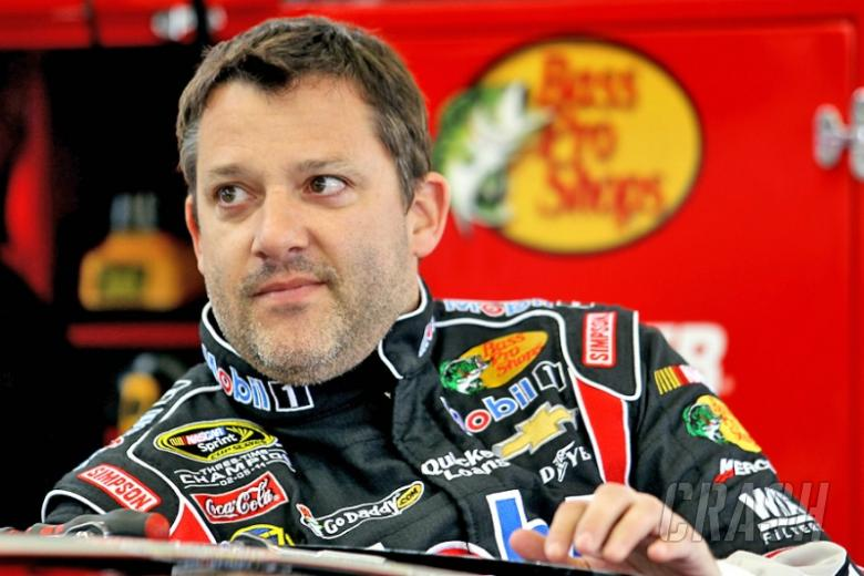 No charges for Tony Stewart over Kevin Ward Jr. death