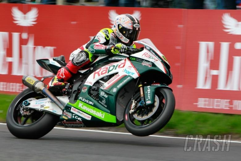 Byrne beats Brookes to pole at Snetterton