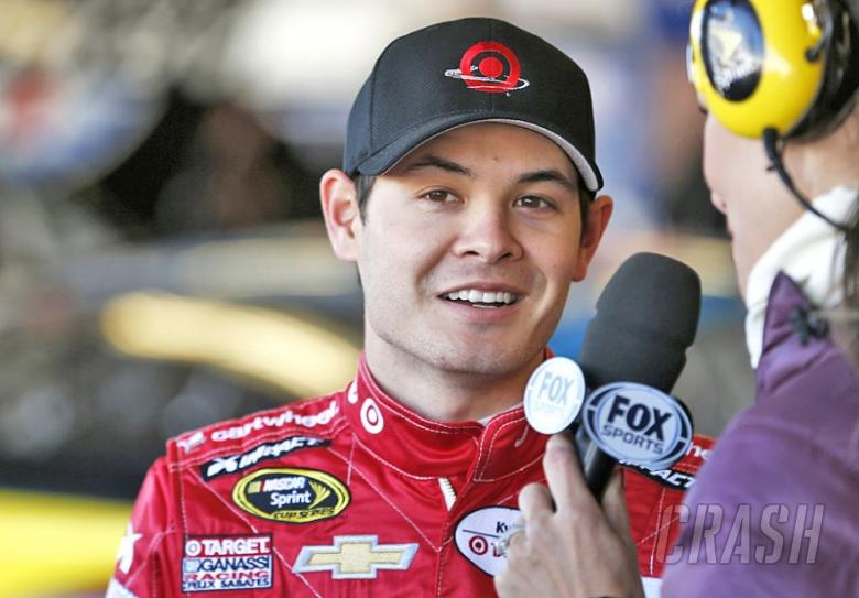 Larson on pole after qualifying washout at Kentucky