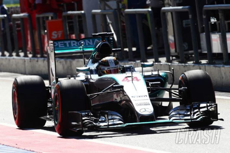 Hamilton bounces back to lead Sepang practice