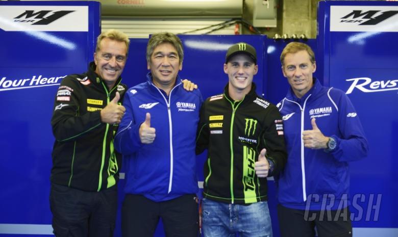 Pol Espargaro signs new Yamaha deal