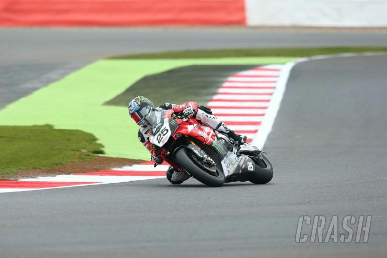 Brookes smashes lap record for pole, Byrne 10th