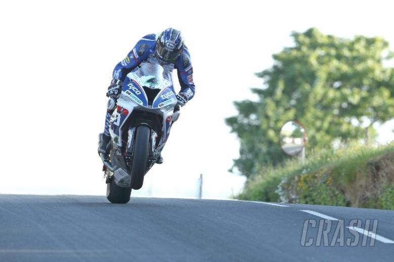 Ulster GP: Hutchinson wins Superbike showpiece