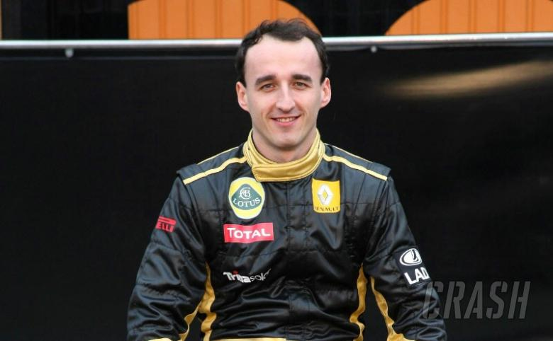 Kubica unable to pick up a glass to drink - reports