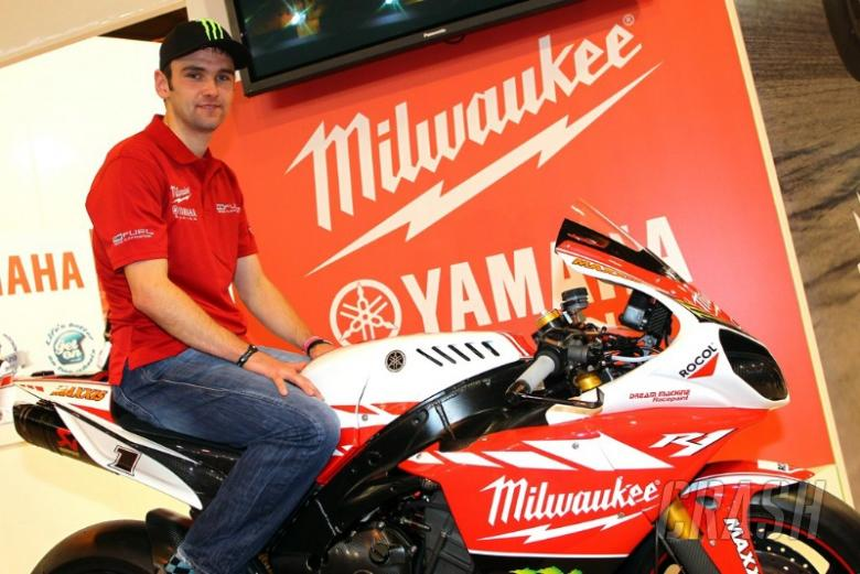 William Dunlop signs for SMR Yamaha