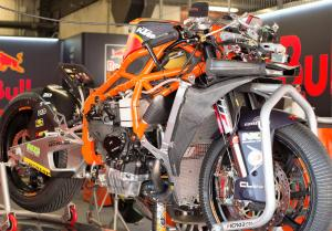 KTM chassis for Sam Lowes in Moto2?