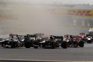 22.04.2012- Race, Start of the race, Heikki Kovalainen (FIN) Caterham F1 Team CT01