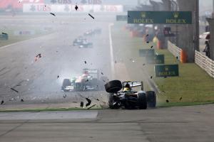 14.04.2013- Race, Crash, Esteban Gutierrez (MEX), Sauber F1 Team C32