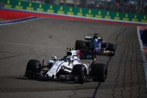 Spin costs Stroll shot at first F1 points in Russia
