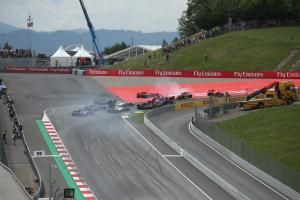 09.07.2017- Race, The crash involving Daniil Kvyat (RUS) Scuderia Toro Rosso STR12, Fernando Alonso
