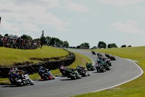 Start of Superbike Race 1, 2007 British Superbike Championship, Round 11, Cadwell Park, UK, 27th Aug