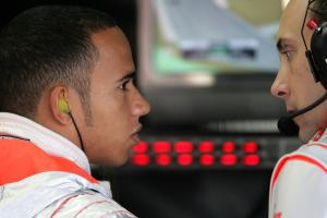 Lewis Hamilton (GBR) McLaren MP4/22, Phillip Prew (GBR), Brazilian F1, Interlagos, 19th-21st, Octobe