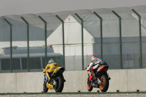 Biaggi and Barros, Qatar MotoGP, 2004