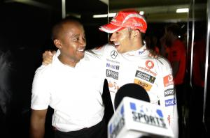 Lewis Hamilton & Anthony Hamilton (GBR) Celebrate World Championship, Brazilian F1 Grand Prix, Inter