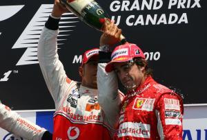 Race, Fernando Alonso (ESP), Scuderia Ferrari, F10 3rd position and Lewis Hamilton (GBR), McLaren  M