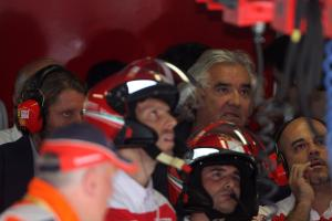 Qualifying, Flavio Briatore (ITA), Renault F1 Team, Team Chief, Managing Director and