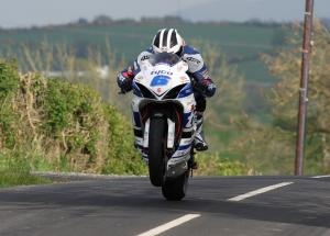 Dunlop makes racing comeback at Skerries 100