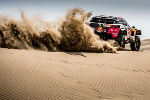 Despres leads Dakar as Peugeot dominates