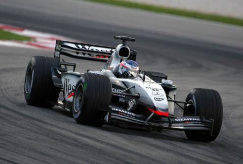 McLarens dominate final free practice.
