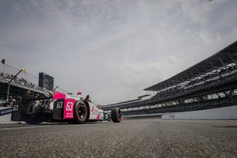 Pippa Mann Indy 500 qualifying
