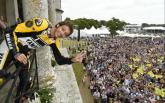 Rossi signs off 'incredible weekend' with Goodwood visit