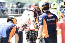 Marquez proposes 'lollipop man' for MotoGP bike swaps