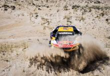 Peterhansel continues stage win run to close in on Sainz