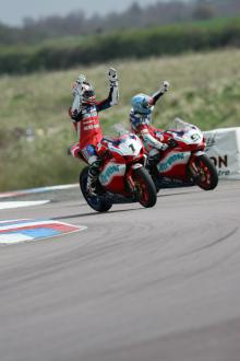 gregorio lavilla and leon haslam post race 1 celebrations airwaves ducati bsb 2006 thruxton monday 1