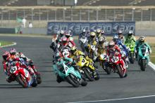 Toseland takes lead from Corser, Start, Magny Cours Race 1 WSBK,2004