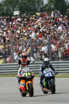 Porto and Pedrosa, Dutch 250GP Race 2005