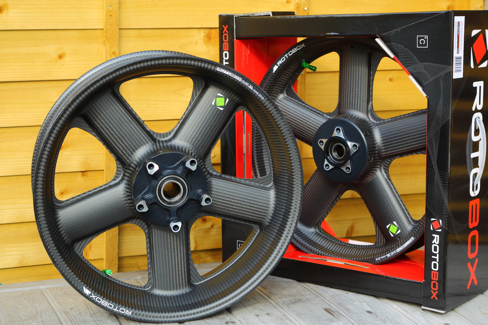 Rotobox carbon fibre wheels