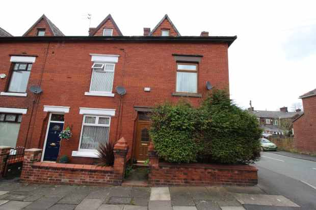 3 Bedrooms Terraced House for sale in Morton Street, Oldham, Lancashire, OL9 0LT