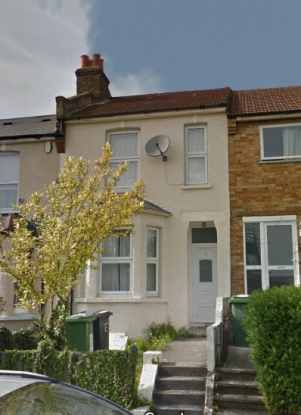 3 Bedrooms Terraced House for sale in Blythe Hill, London, Greater London, SE6 4UR