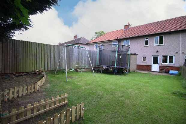 3 Bedrooms Terraced House for sale in Tennyson Road, Colne, Lancashire, BB8 9SD