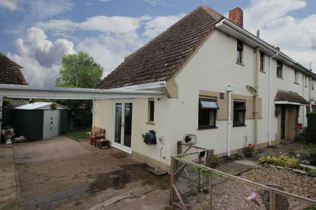3 Bedrooms Semi Detached House for sale in Locksely Way, Louth, Lincolnshire, LN11 7QR