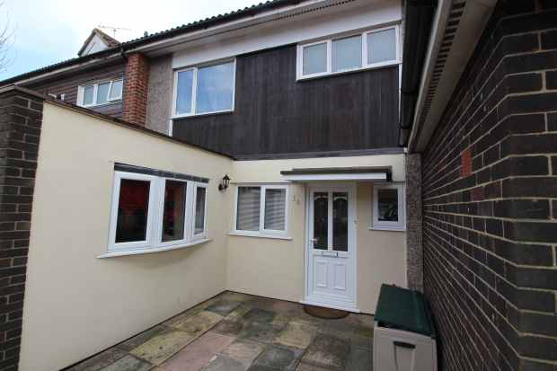 3 Bedrooms Terraced House for sale in Ludlow Mews, Basildon, Essex, SS13 3RP