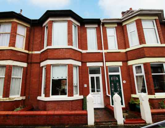3 Bedrooms Terraced House for sale in Abbotts Walk, Fleetwood, Lancashire, FY7 6QG