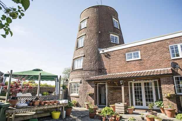 3 Bedrooms Detached House for sale in Kilham, York, Yorkshire, YO25 4SR