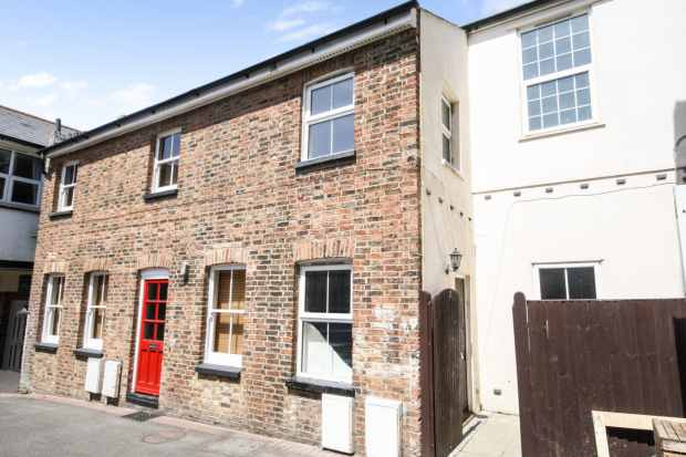 3 Bedrooms Terraced House for sale in Western Mews, Bexhill-On-Sea, East Sussex, TN40 1GR