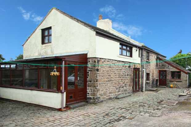 4 Bedrooms Detached House for sale in Scarth Hill Lane, Ormskirk, Lancashire, L40 6JP